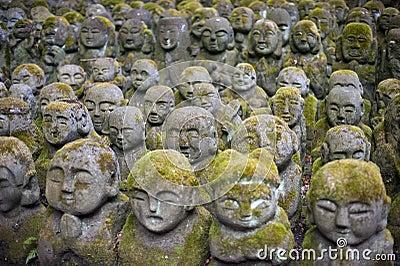De Standbeelden van Nenbutsu -nenbutsu-ji Rakan van Otagi