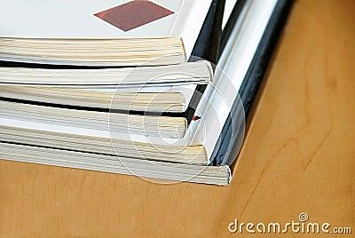 Tijdschriftenstapel