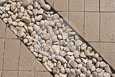 De steen verfraait op gangmanier