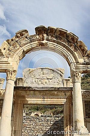 De Tempel Ephesus van Hadrianus
