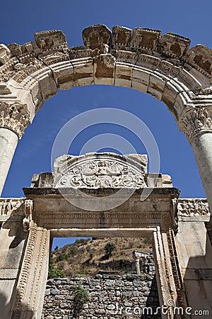 De Tempel van Hadrian, Ephesus, Izmir, Turkije