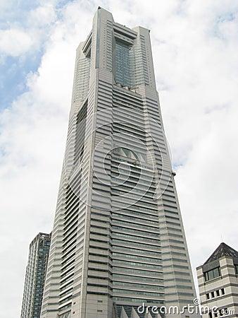 De toren van het Oriëntatiepunt van Yokohama
