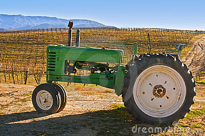De Tractor van de wijngaard