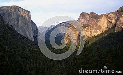 De Vallei van Yosemite