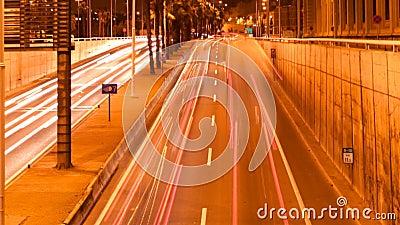 De verzendende lichten van de nachtauto stock video