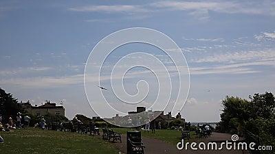 De vliegende weston-s-Merrie van Vestingssally B B17 Weston Air Festival stock videobeelden