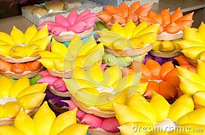 De vlotten van Krathong van Loi van brood