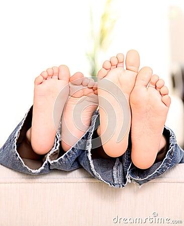 De voeten van kinderen