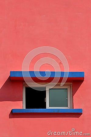 De vorm en de kleur van de bouw