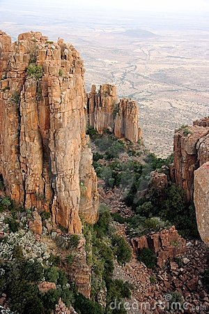 De Vormingen van de rots in een Vallei