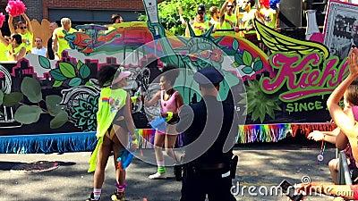 De Vrolijke Pride Parade Kiehl ` s Vlotter van New York stock videobeelden