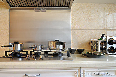 De waren en het toestel van de keuken