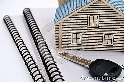 De wijze, de sleutel en de documenten van het huis