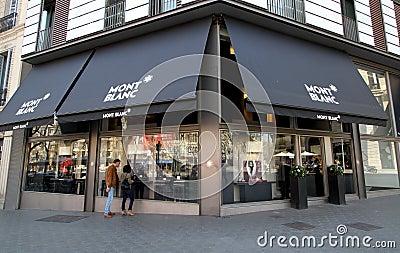 De winkel van Mont Blanc Redactionele Foto