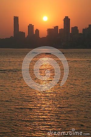 De zonsondergang van Mumbai