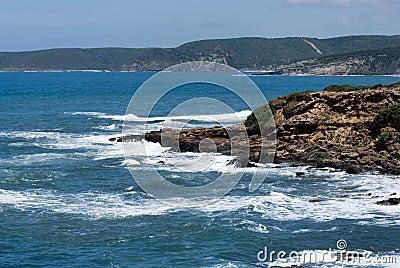 De zuidwestelijke kustlijn van Sardinige