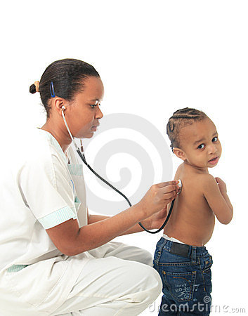 De zwarte Afrikaanse Amerikaanse verpleegster met kind isoleerde 1