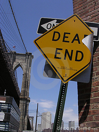 Dead End Sign and Brooklyn Bridge