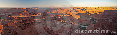 Deadhorse Point panorama at sunrise