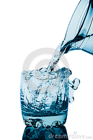 Free Decanter And Glass With Water Splashes Royalty Free Stock Image - 27975966