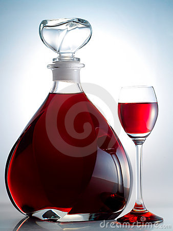Free Decanter Filled With Liquor Stock Photos - 8094583