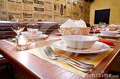 Decked table restaurant