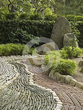 Decora o de pedra no jardim japon s fotografia de stock for Como poner piedras en el suelo del jardin