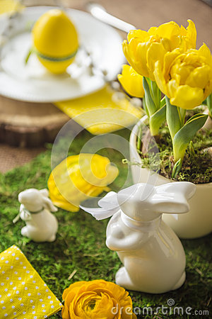 Free Decorated Easter Table Stock Photos - 52179973