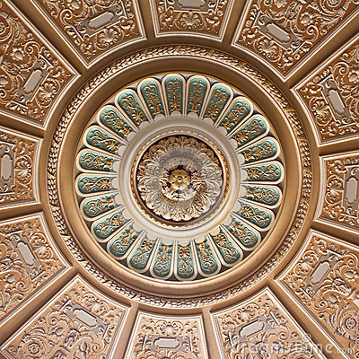Free Decorated Palace Ceiling Royalty Free Stock Photography - 26779907