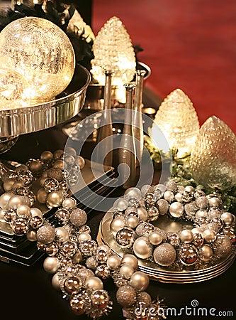 Decoratie op zilveren dienblad stock foto 39 s afbeelding 7328633 - Foto decoratie ...