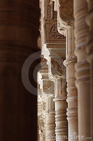 Decorative building columns