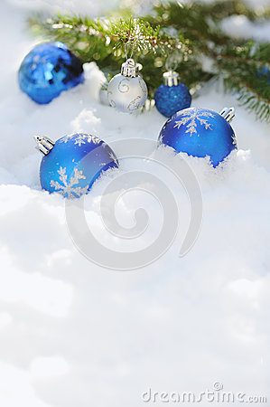 Free Decorative Christmas Balls On The Snow And Brunch Of Christmas Tree Outdoor Stock Photography - 46243782