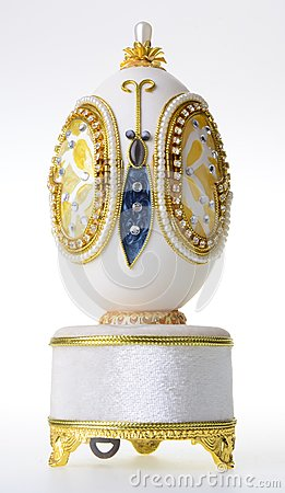 Free Decorative Easter Egg For Jewellery (Faberge Egg) On Background Royalty Free Stock Photos - 111552768