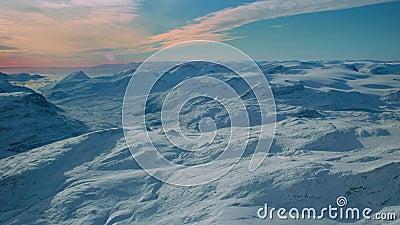 Deephelado suelo majestuoso antarcta helada nieve tierra verde paisaje paisaje infinito horizonte al atardecer almacen de metraje de vídeo