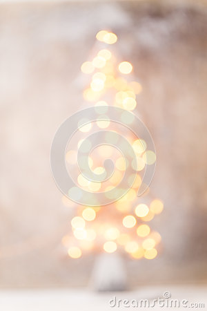 Free Defocused Christmas Tree Silhouette With Blurred Lights. Stock Photo - 78819210