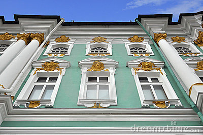 Dekoracyjnego pałac Petersburg reliefowa st zima