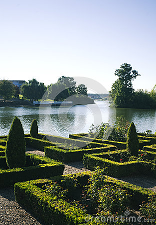 Dekorativ trädgård