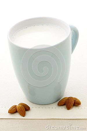 Delicious almonds milk
