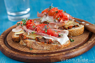 Delicious Bruchetta with ham and tomato