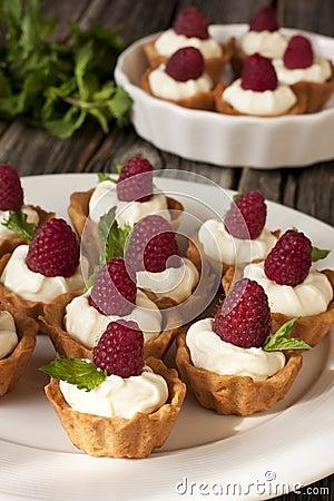 delicious fresh berries mini-cakes