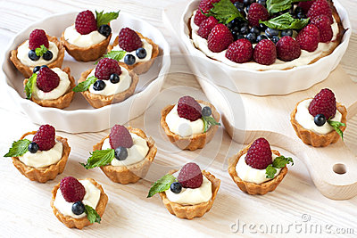 Delicious fresh berries mini-cakes