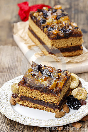 Free Delicious Layer Gingerbread Cake Royalty Free Stock Photos - 39033948