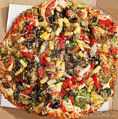 Delicious Thin Crust Vegetarian Pizza