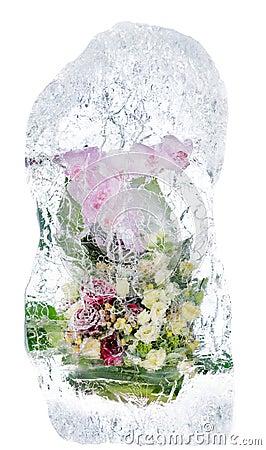 Delikat bukett av blommor i isen