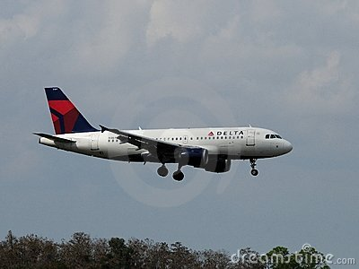 Delta Airbus A-319 Editorial Photo