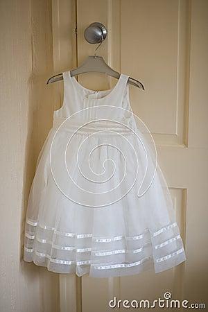 demoiselle d 39 honneur ou robe de flowergirl pour un mariage photographie stock image 25451352. Black Bedroom Furniture Sets. Home Design Ideas