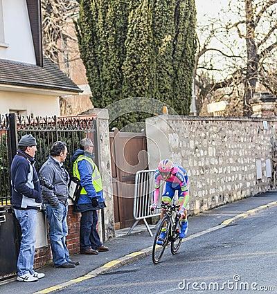 Den cyklistMichele Scarponi- Paris Nice prologen 2013 i Houill Redaktionell Foto