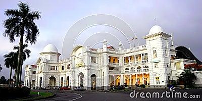 Den Ipoh järnvägstationen Redaktionell Fotografering för Bildbyråer