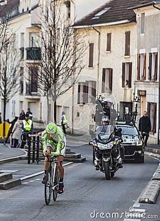 Den Paris Nice för cyklistIvan basso prologen 2013 i Houilles Redaktionell Arkivfoto