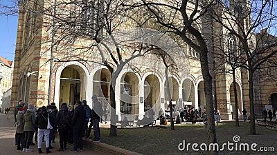 Den Tabakgasse för den Dohany gatasynagogan synagogan är den största synagogan i Europa Budapest Ungern stock video